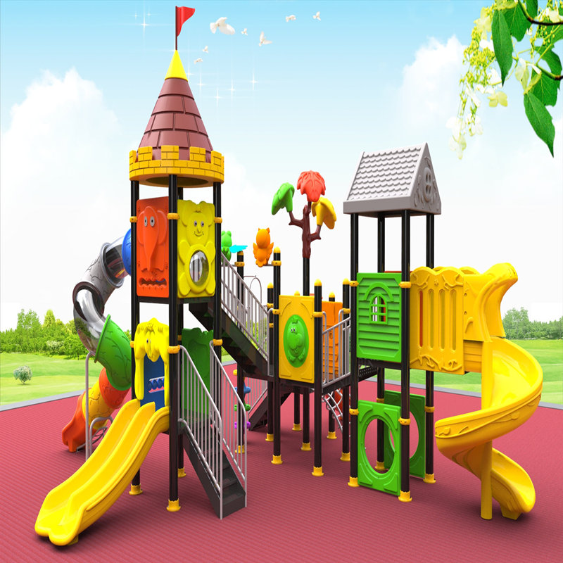 معدات ملعب في الهواء الطلق مع الأطفال الشريحة لعبة أطفال اللعب منزل